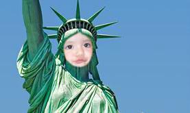fotomontaje estatua de la libertad