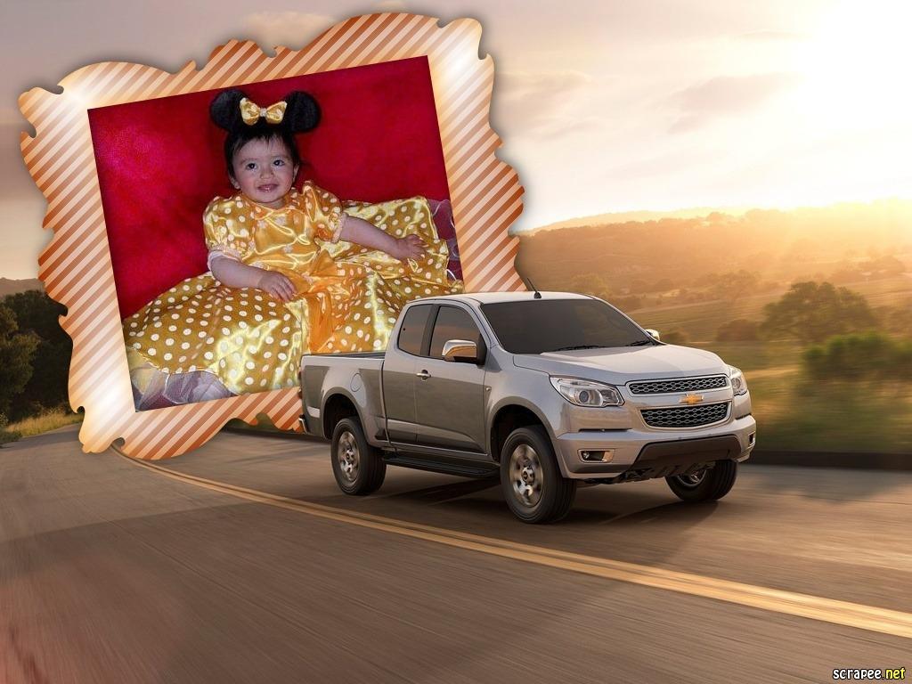 Marco para fotos gratis con una Chevrolet Colorado S10 2012