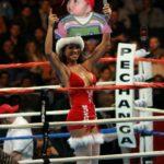 Montaje para fotos en un ring de boxeo